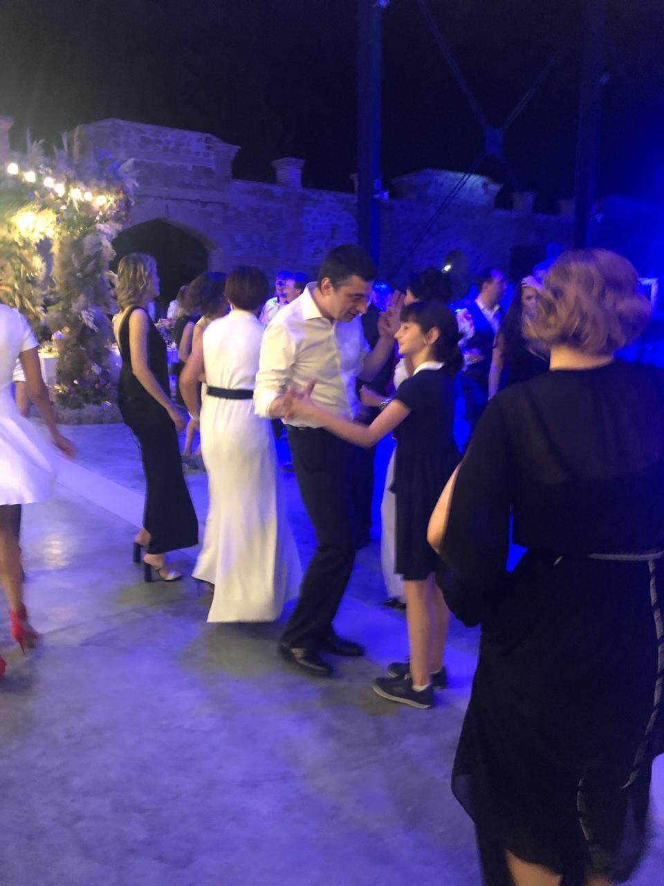 კახი კალაძის და ანუკი არეშიძის ქორწილი და აცეკვებული შს მინისტრი ქალიშვილთან ერთად